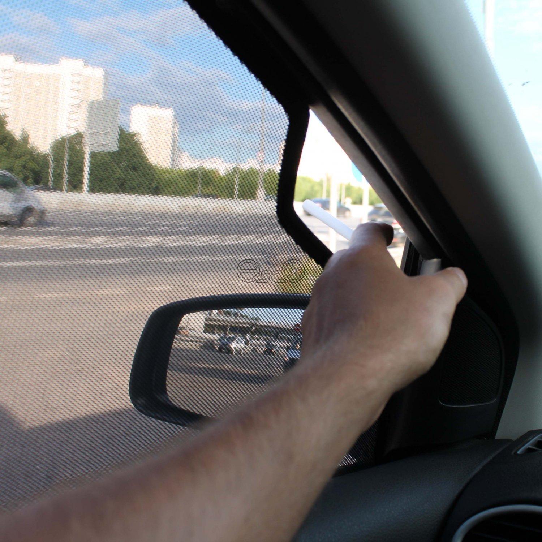 Каркасные шторки на Ford Focus 2 с вырезом для курения