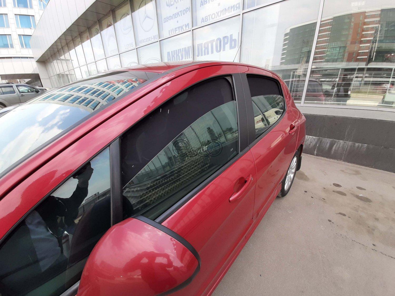 Каркасные шторки на Peugeot 308