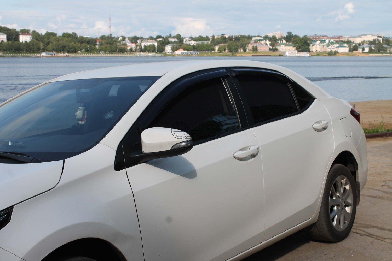 Каркасные шторки на Toyota Corolla E180